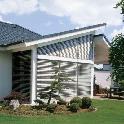 Schräge Außenjalousie für Dachfenster